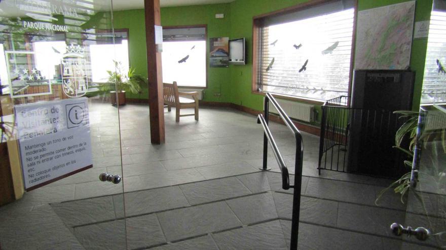 Acceso al interior del Centro Visitantes Peñalara
