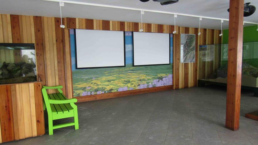Interior del Centro de Visitantes Pañalara