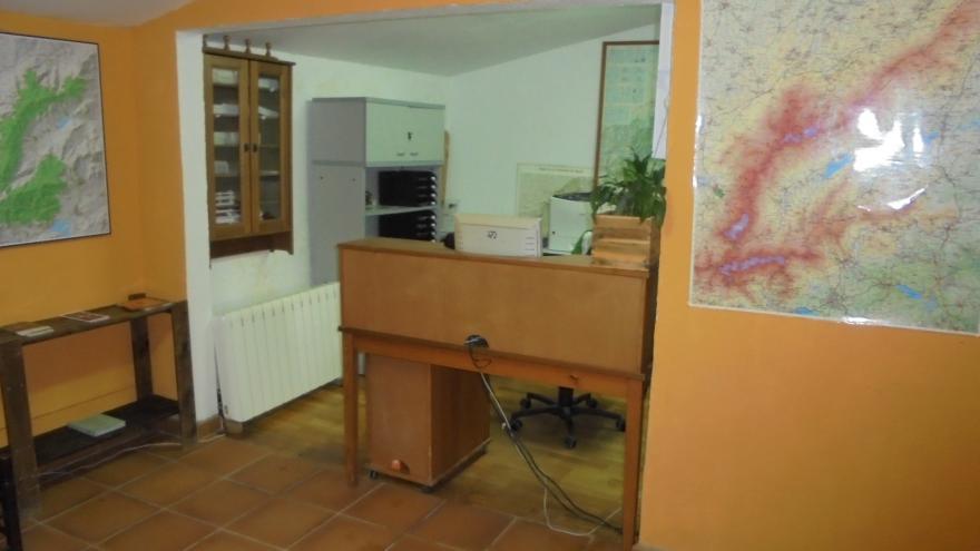 Interior punto información Centro Visitantes El Paular