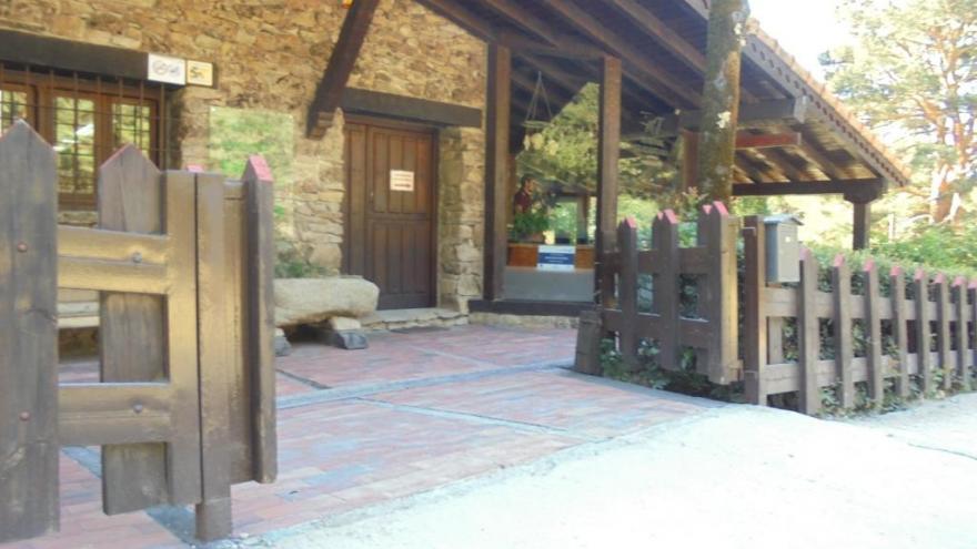 Porche entrada Centro Visitantes Fuenfría