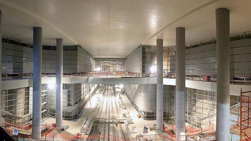 Vestíbulo y andenes de Metrosur