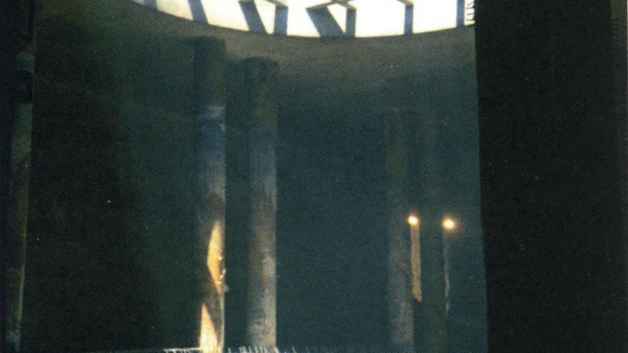 Detalle del lucernario durante la construcción de la estación Mar de Cristal
