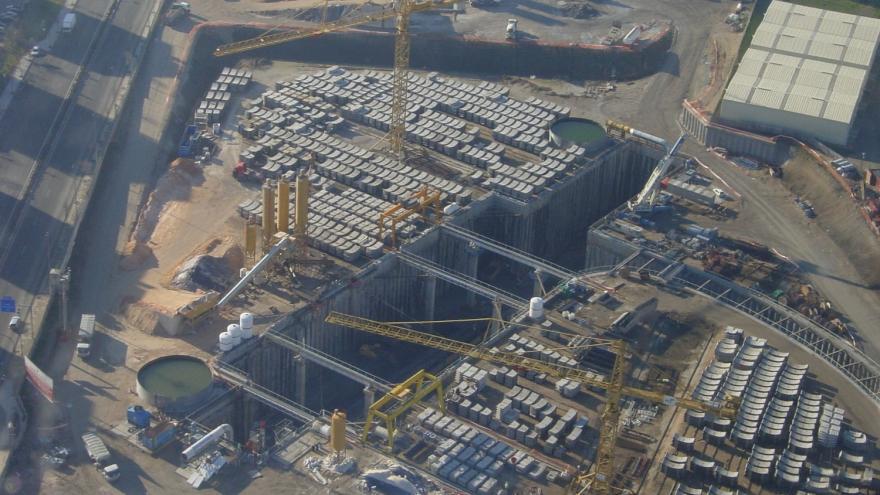 Vista aérea del pozo de ataque doble de la ampliación de la Línea 3