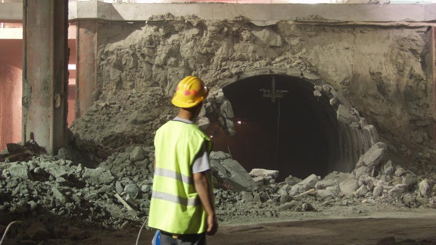 Demolición túnel existente nivel andenes