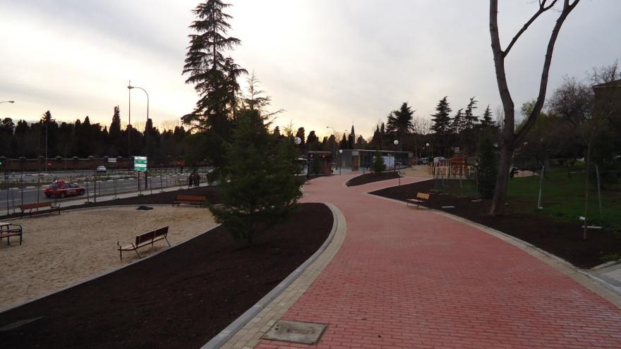 Caminos adoquinados reurbanización La Almudena