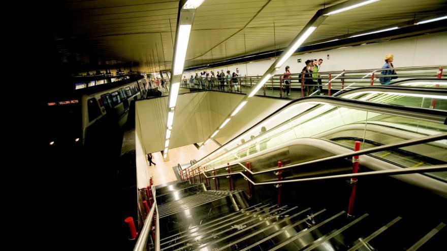 Estación de Legazpi, conexión nivel de andenes de Línea 3 con nivel intermedio