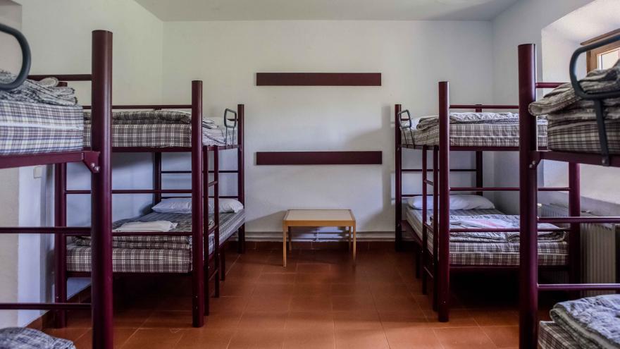 AJ Los Batanes, habitación