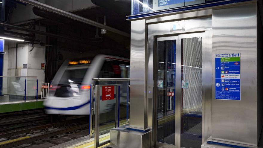 La estación de Metro de Príncipe Pío cuenta desde hoy con dos nuevos ascensores