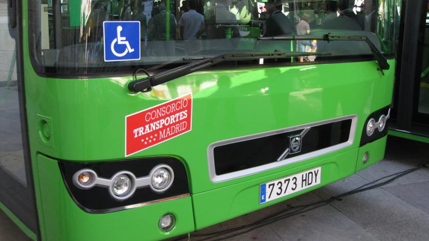 Frontal de autobús interurbano accesible