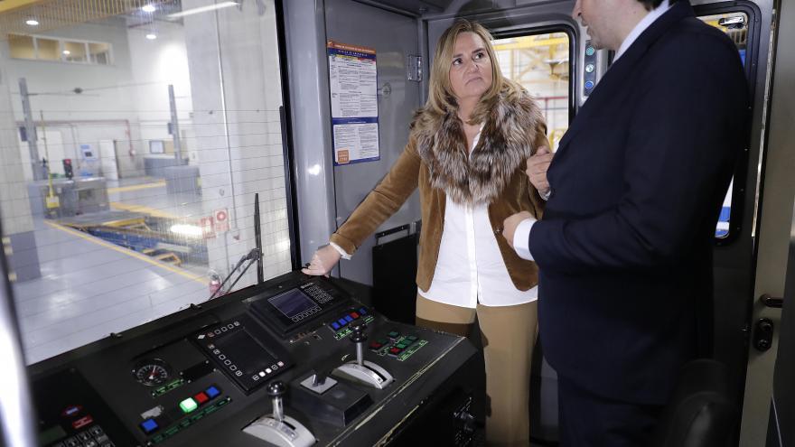 Gonzalo visita el depósito de Hortaleza, donde se realiza el mantenimiento de los trenes de las líneas 4 y ML1 del suburbano
