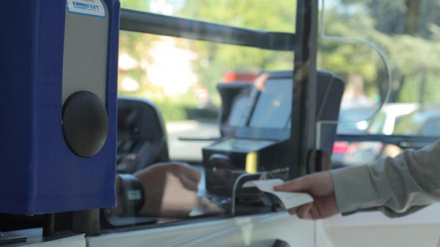 Imagen de canceladora en autobús de la EMT