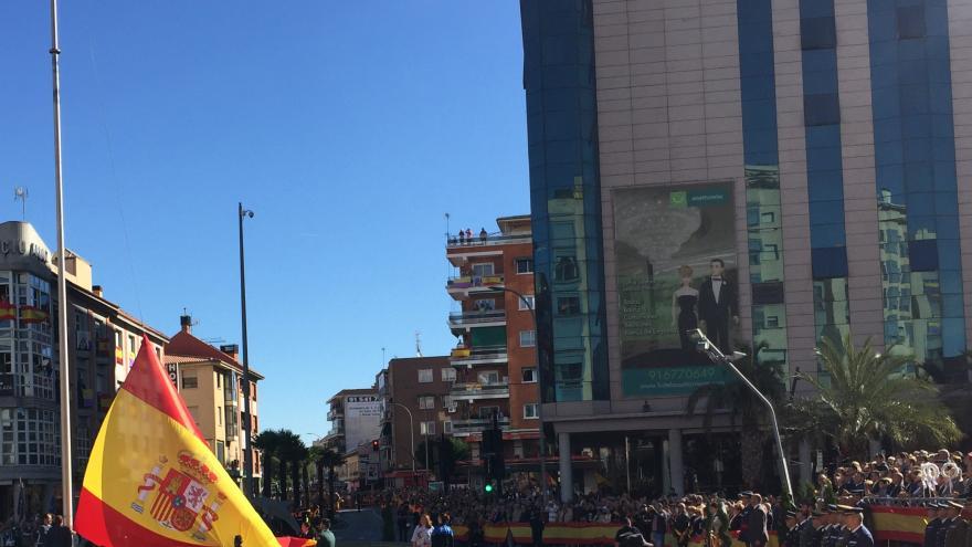 Izado de la bandera de España en Torrejón de Ardoz
