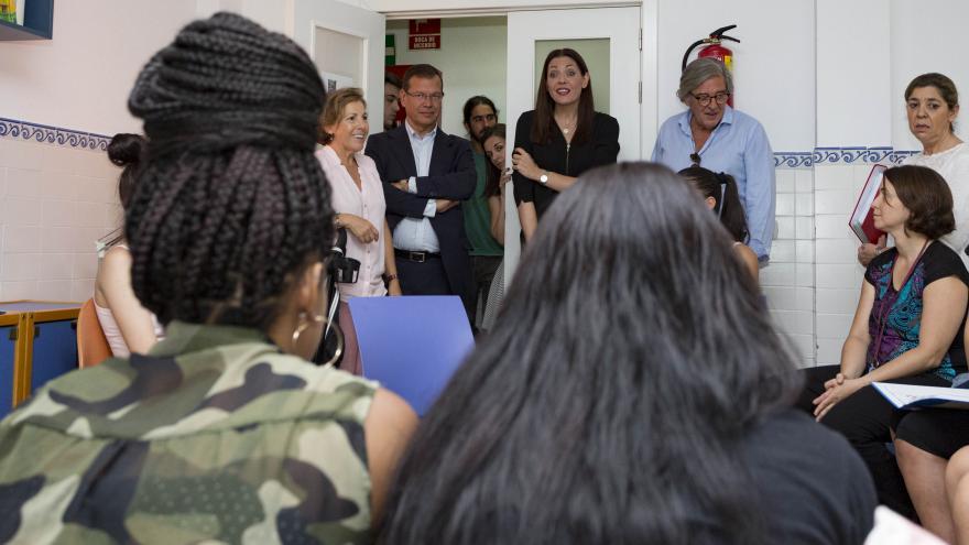 La Comunidad ha destinado 1,5 millones de euros a proyectos para mujeres embarazadas y madres sin recursos