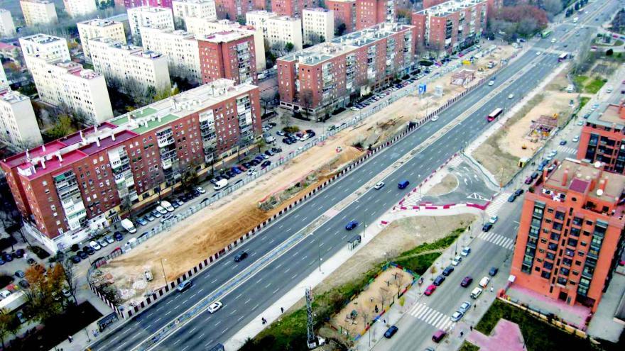 Vista aérea del barrio de la Ciudad de los Ángeles y del espacio ocupado por la obra de la estación