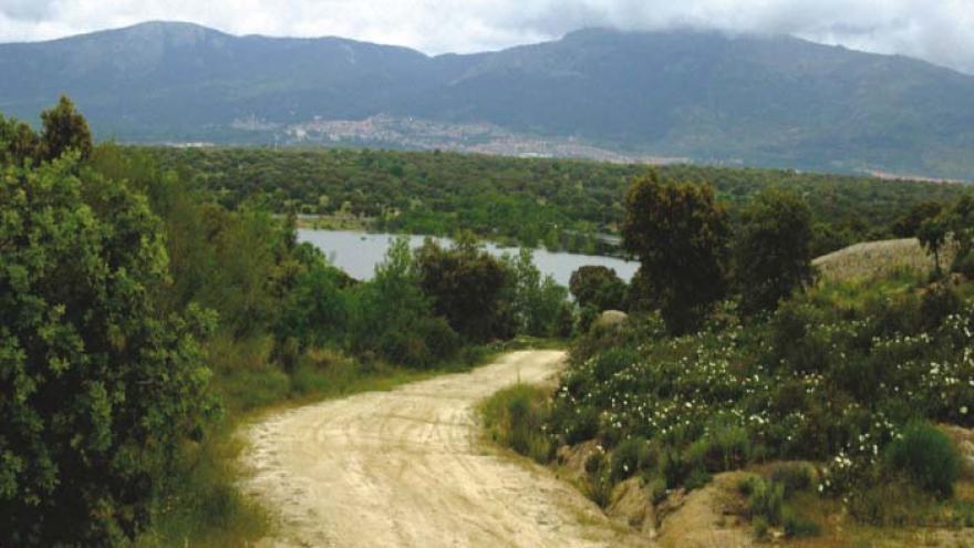 Senda Norte-Sur: De Collado Villalba (y San Yago) a Serranillos del Valle - R1