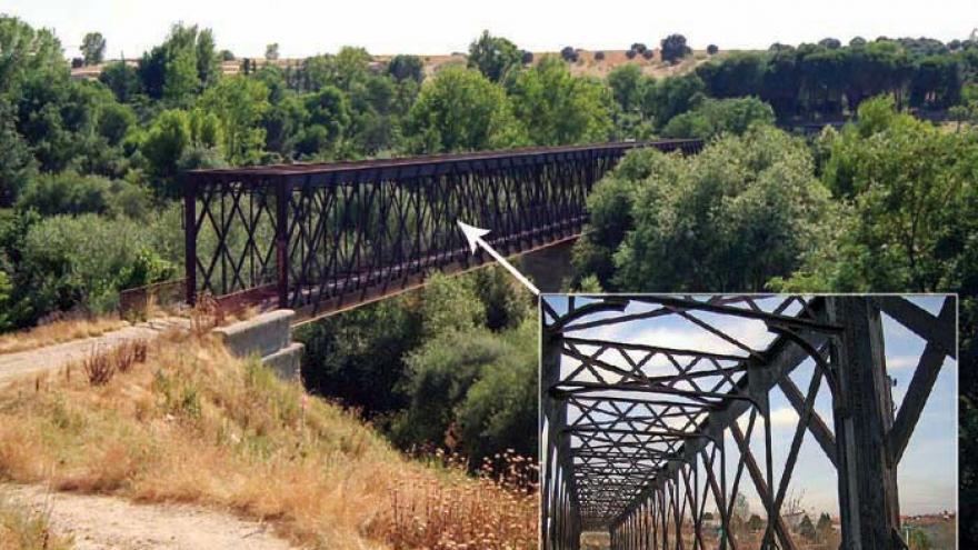 Puente de hierro sobre el río Guadarrama en la senda de Móstoles a El Álamo
