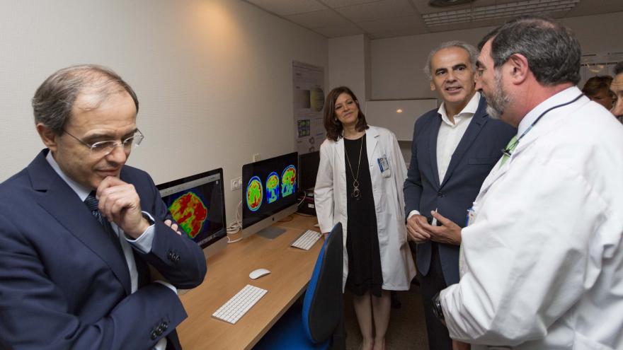 El consejero de Sanidad, Enrique Ruiz Escudero, ha visitado el Hospital Clínico San Carlos