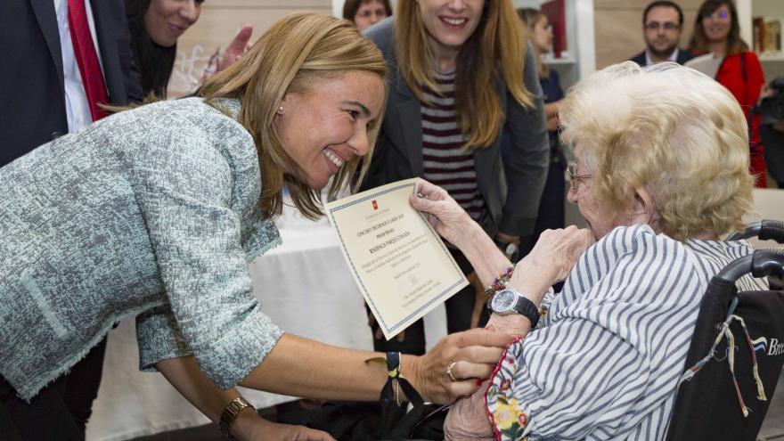 La viceconsejera, Miriam Rabaneda, ha entregado hoy los premios del certamen 'Decorando el Jardín'