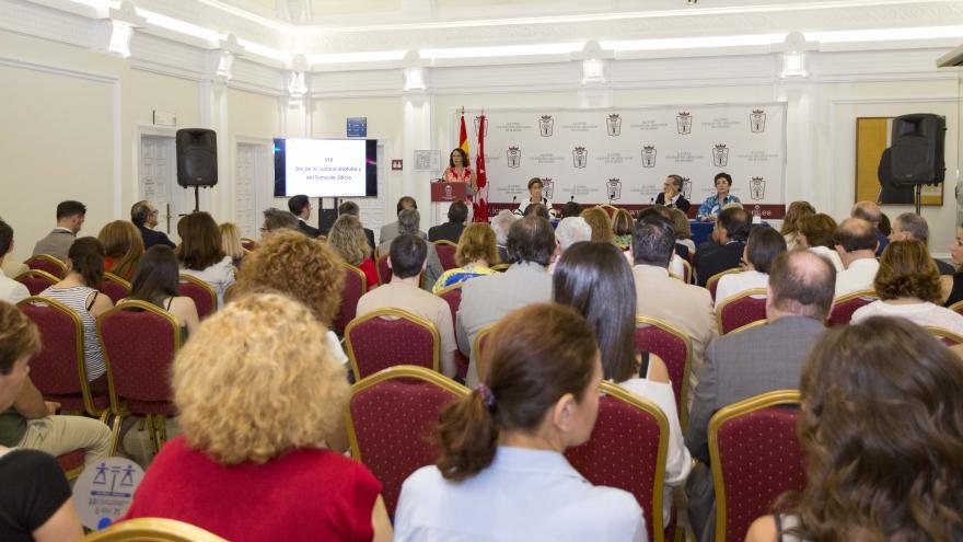 La consejera de Justicia, Yolanda Ibarrola, ha inaugurado hoy la jornada '40 años consagrando el derecho de defensa', organizada por el Ilustre Colegio de Abogados de Madrid para conmemorar el Día de la Justicia gratuita y el turno de oficio