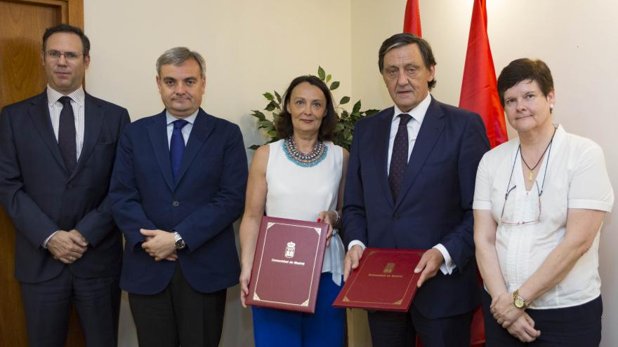 La consejera de Justicia renueva el convenio con el Colegio de Procuradores de Madrid para el Servicio de Representación Procesal