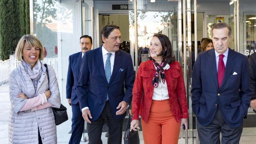 Yolanda Ibarrola durante la visita