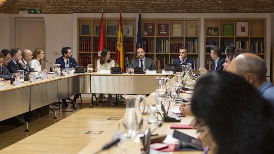 La Comunidad de Madrid ha dado un nuevo impulso a la actividad del Consejo Asesor de Asuntos Europeos como órgano de participación, consulta y asesoramiento en materias relacionadas con la Unión Europea, celebrando una sesión plenaria a la que han asis