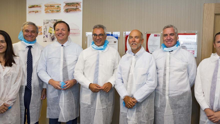 Izquierdo inaugura las nuevas líneas de producción de British Sandwich Factory