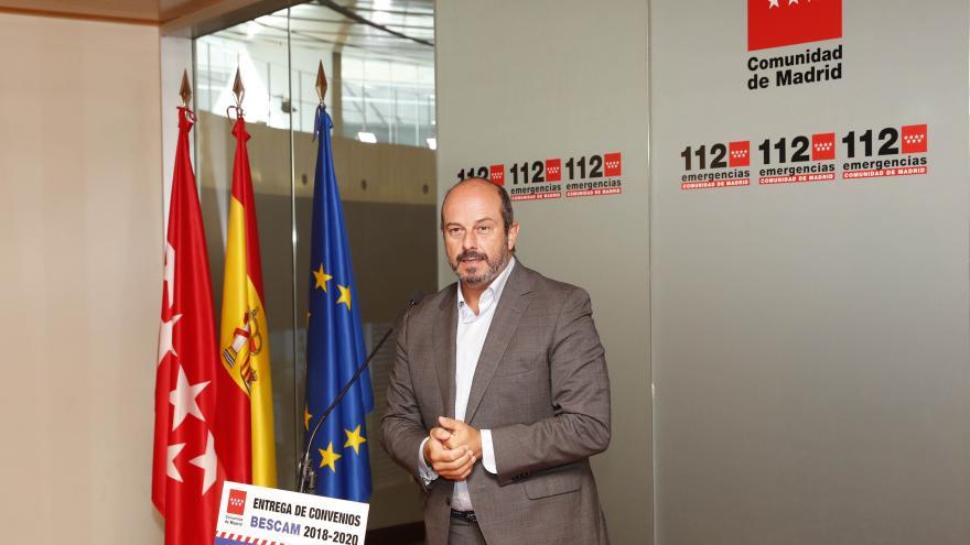 El vicepresidente regional entrega los convenios para la financiación regional de policías locales BESCAM en 14 municipios