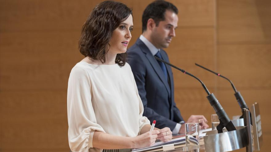 Isabel Díaz Ayuso e Ignacio Aguado durante la rueda de prensa