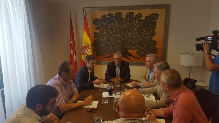 El consejero Carlos Izquierdo se ha reunido con el presidente de la Mancomunidad del Este