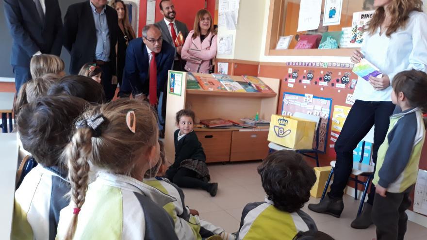 Rafael van Grieken en el colegio Miguel Delibes