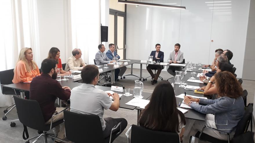 Miguel Ángel García Martínpreside la Mesa del Autónomo y la Economía Social