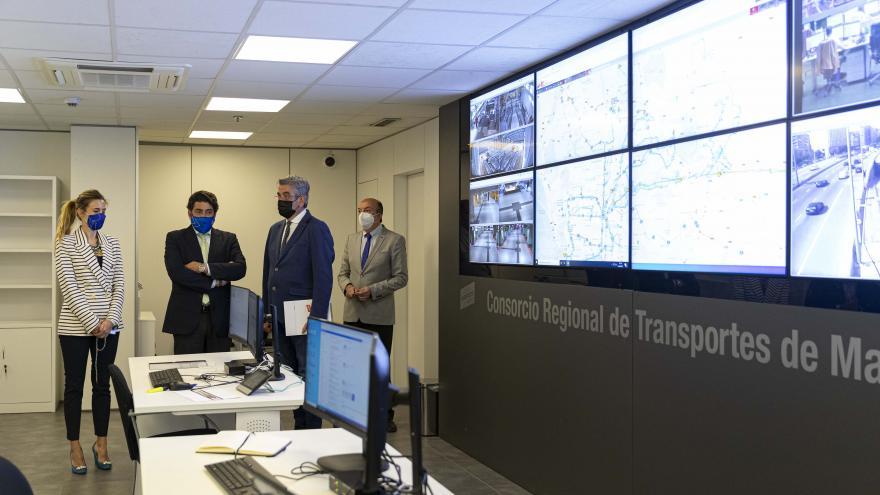 La Comunidad de Madrid garantiza el buen funcionamiento del transporte regional gracias a dos centros de control  .
