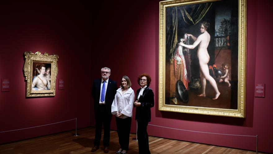 Marta Rivera en la exposición del Prado sobre Sofonisba Anguissola y Lavinia Fontana