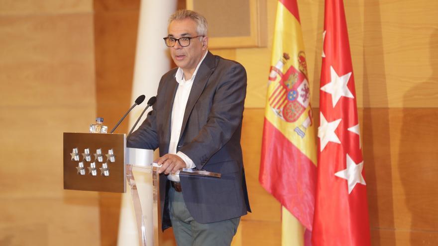 El consejero de Medio Ambiente, Carlos Izquierdo, presenta las conclusiones de las Mesas de Diálogo para la Coexistencia del Mundo Rural y el Medio Natural