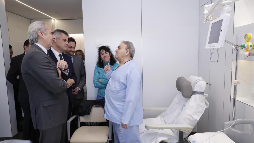 El consejero de Sanidad, Ruiz Escudero visita el Hospital Rey Juan Carlos