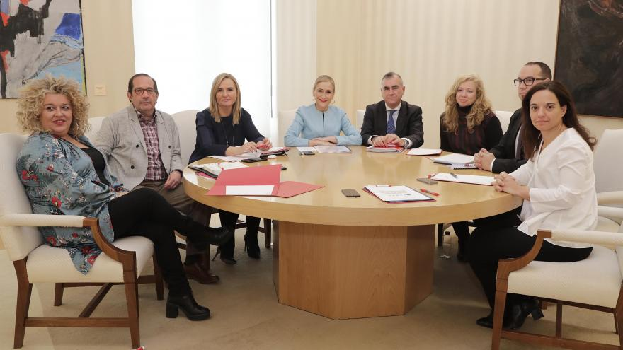 Cristina Cifuentes con los alcaldes de Pinto, Valdemoro, Ciempozuelos, Getafe y Aranjuez