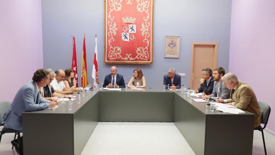 Pedro Rollán se reúne con los alcalde de Cadalso de los Vidrios, Cenicientos y Rozas de Puerto Real