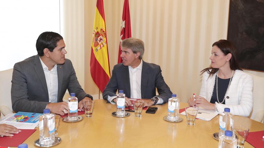 Garrido muestra el respaldo del Gobierno de la Comunidad de Madrid a los refugiados venezolanos