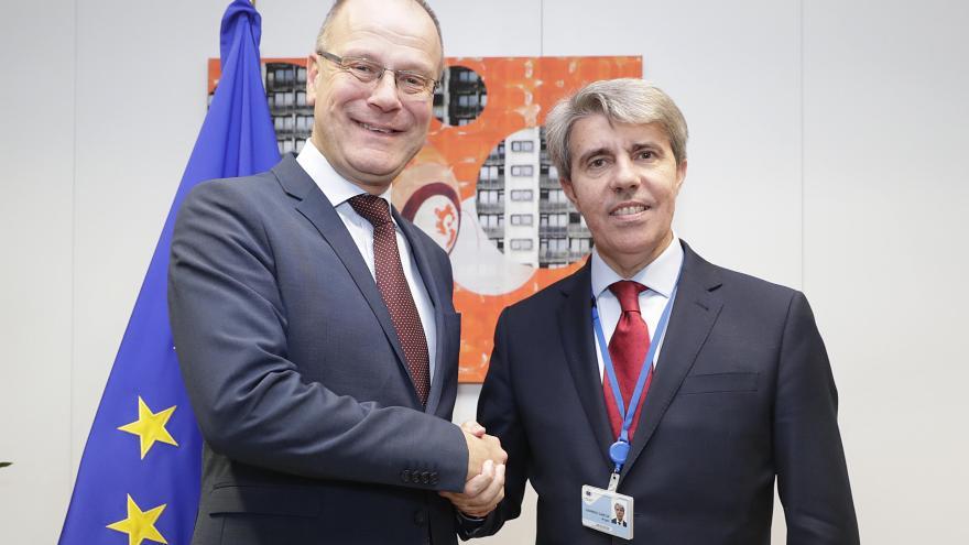 Garrido y Tibor Navracsics