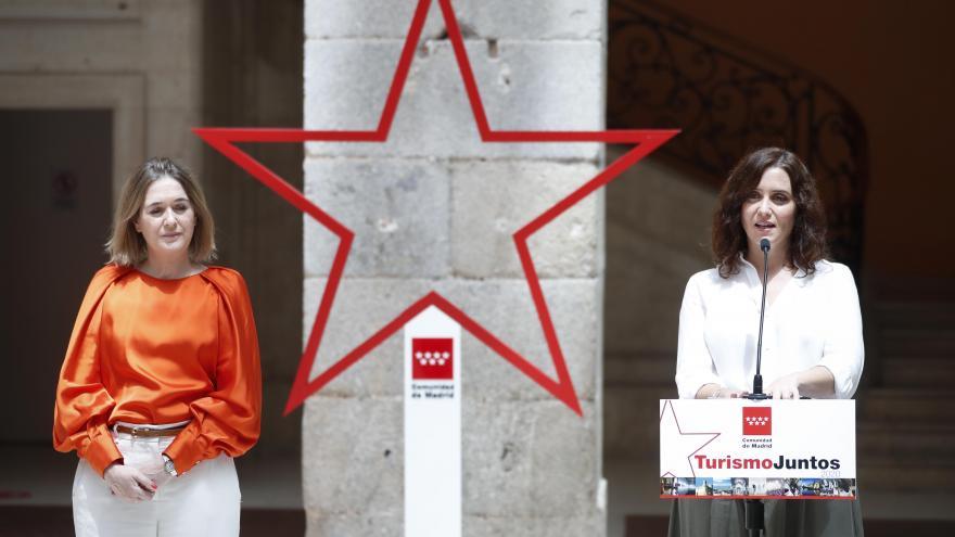 Diaz Ayuso y Marta Rivera