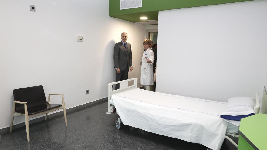 El consejero de Sanidad, Enrique Ruiz Escudero, ha visitado las nuevas instalaciones