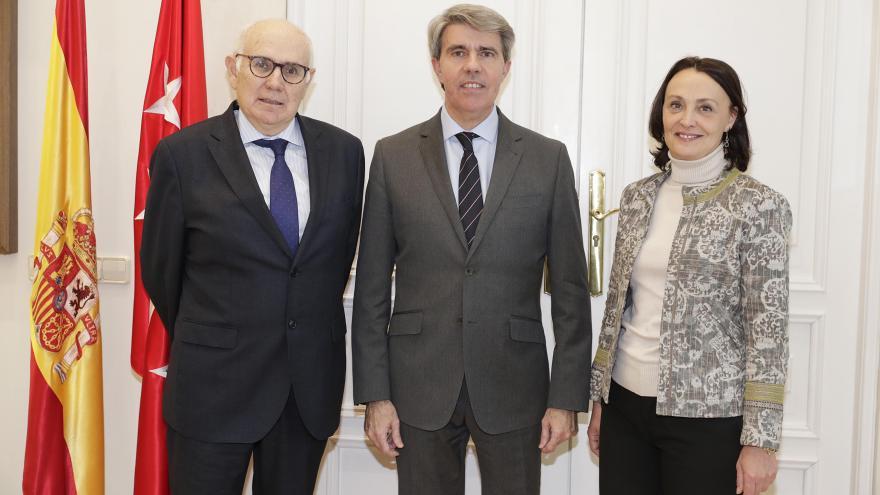 Ángel Garrido con el nuevo presidente de la Audiencia Provincial de Madrid, Juan Pablo González