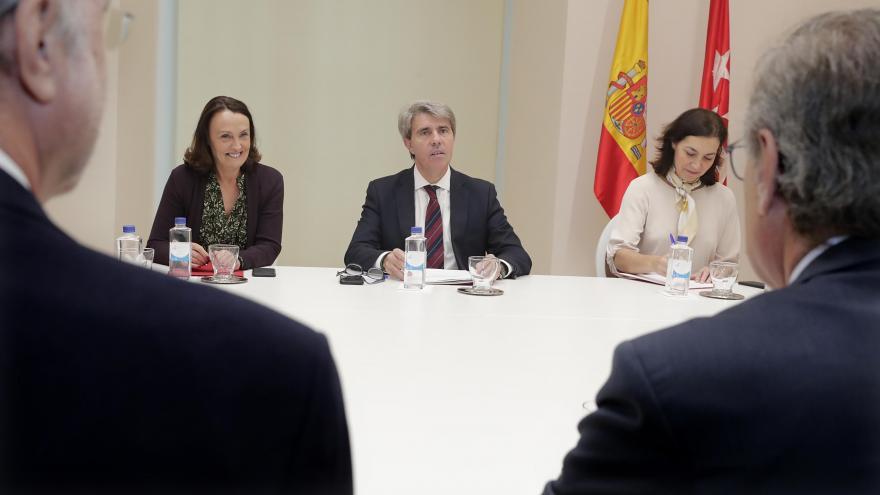 Garrido reunido con la junta directiva de la Unión Interprofesional de la Comunidad de Madrid (UICM)