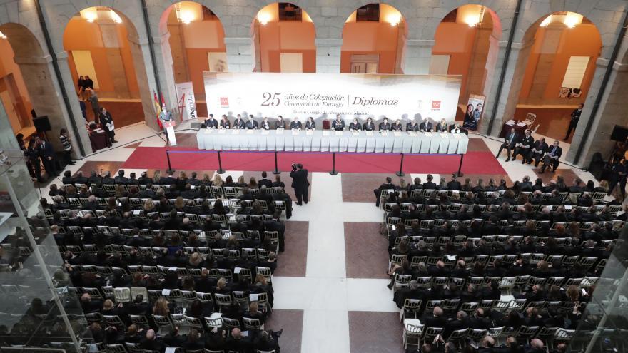 El presidente de la Comunidad, Ángel Garrido, preside la entrega de diplomas a los abogados que cumplen 25 años como colegiados