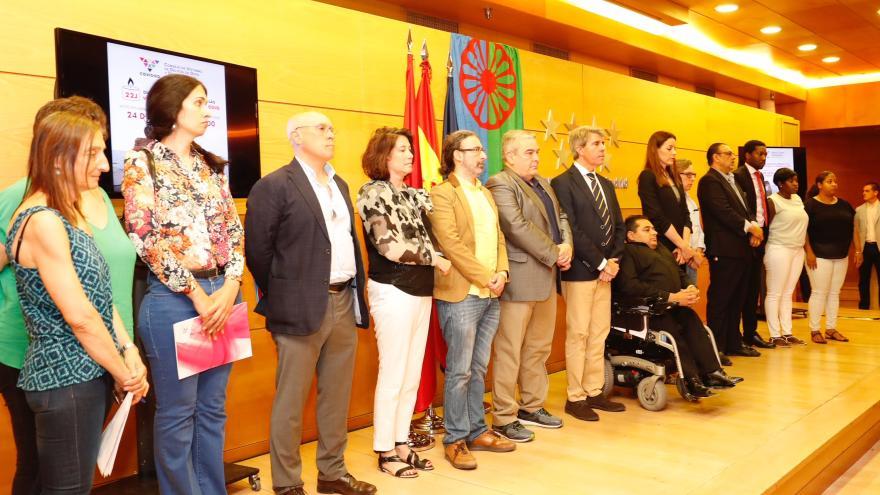"""El presidente madrileño señala como prioridad de su Gobierno garantizar una comunidad """"abierta, cohesionada e integradora"""""""