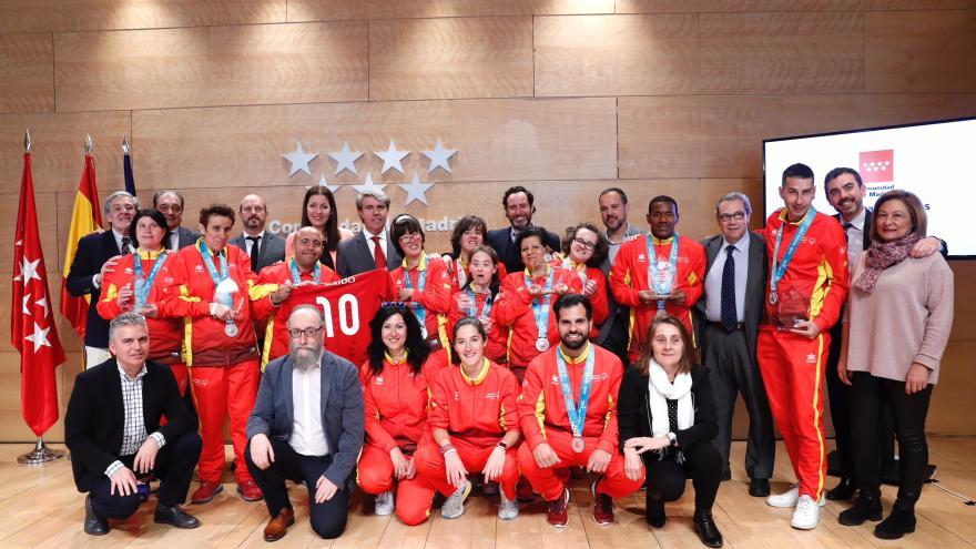 Ángel Garrido recibe a los deportistas madrileños con discapacidad intelectual que han participado en los juegos mundiales Special Olympics