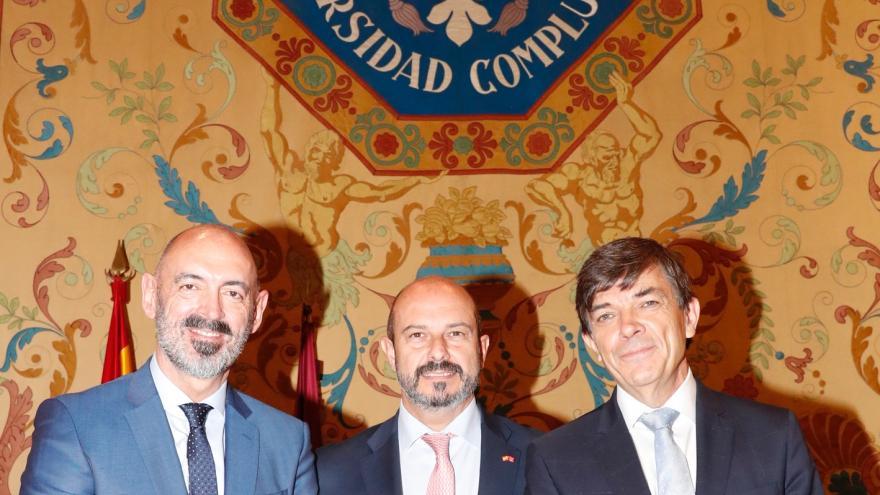 Rollán asiste a la toma de posesión del nuevo rector de la Universidad Complutense