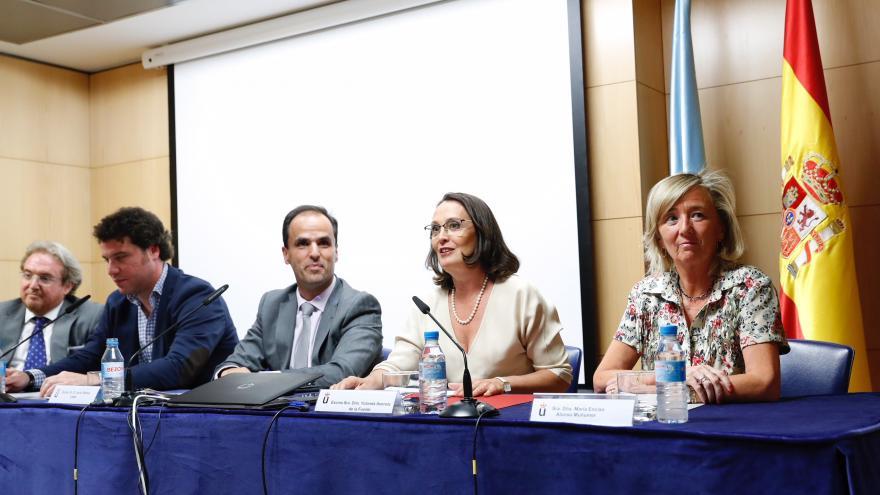 Yolanda Ibarrola inaugurando los cursos de verano