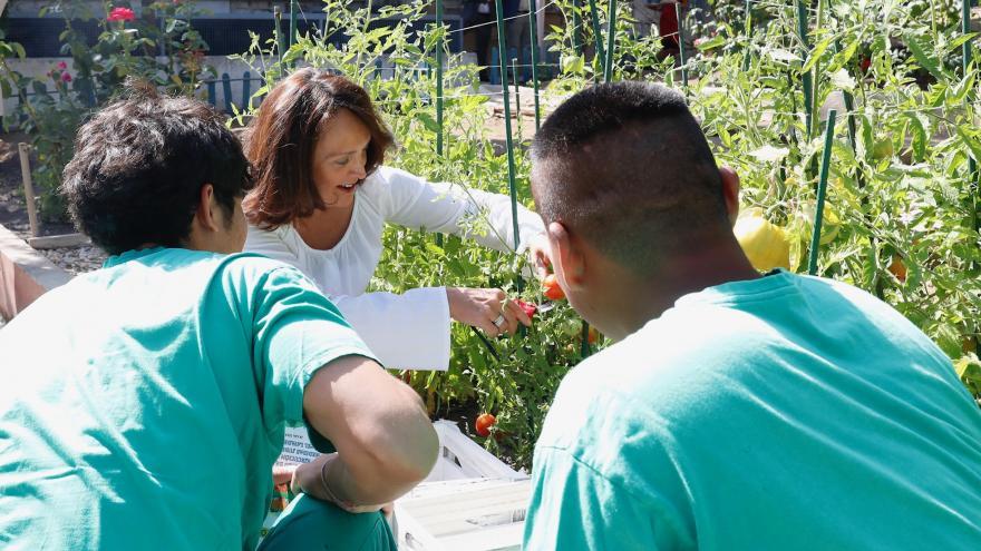 La consejera en funciones de Justicia, Yolanda Ibarrola, en uno de esos talleres